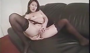 Korean slut likes her pussy play